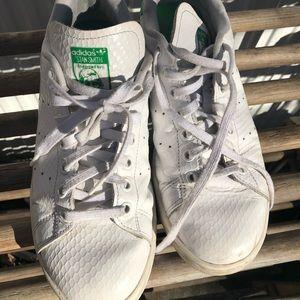 Women's 8.5 Stan Smith adidas sneakers